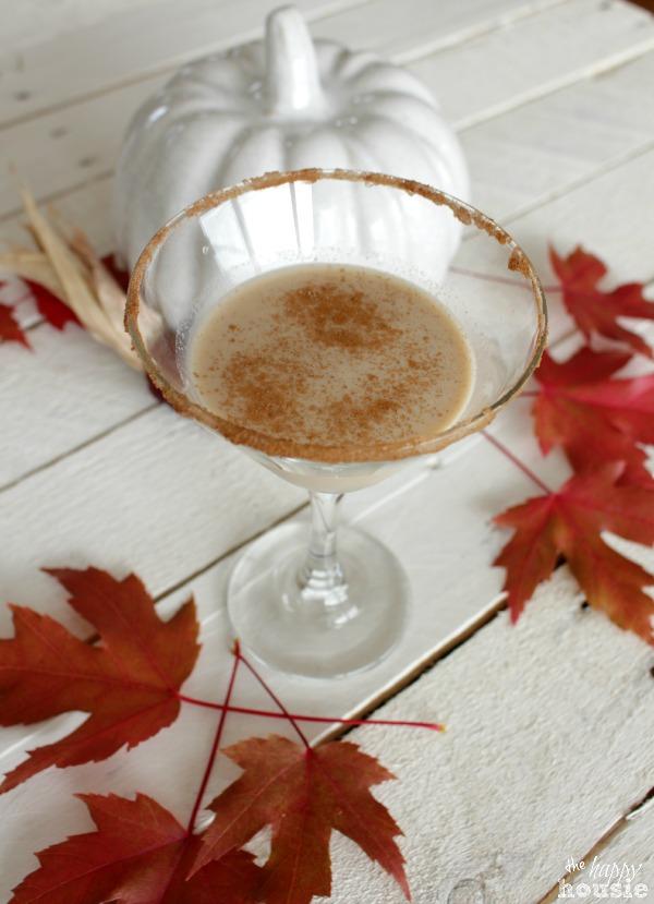 Autumn Chill Chai-Tea-Ni Martini {& 9 Festive Fall Drinks}