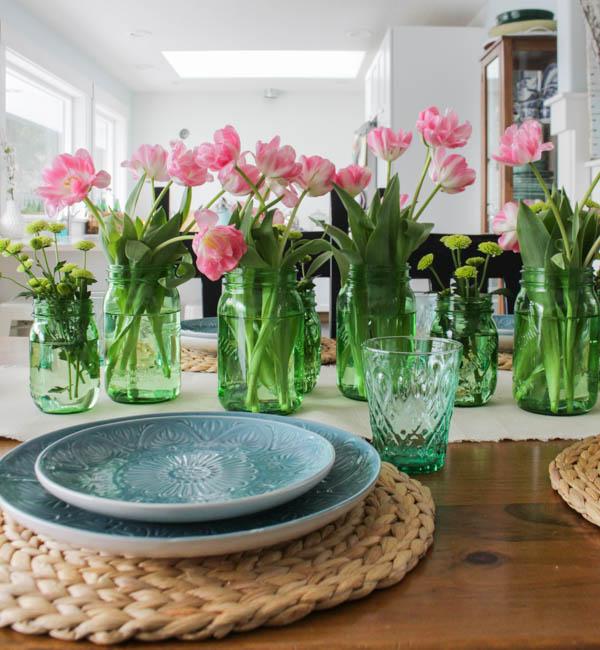 Spring Home Tour at thehappyhousie.com-22