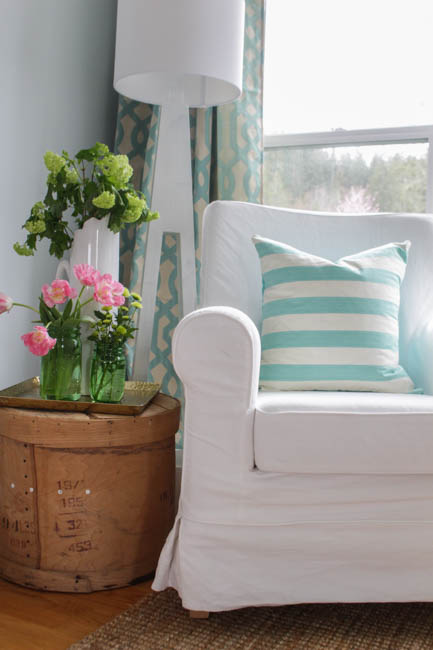 Spring Home Tour at thehappyhousie.com-31