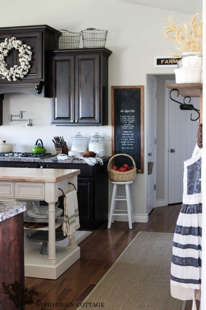 The Wood Grain Cottage Kitchen 1