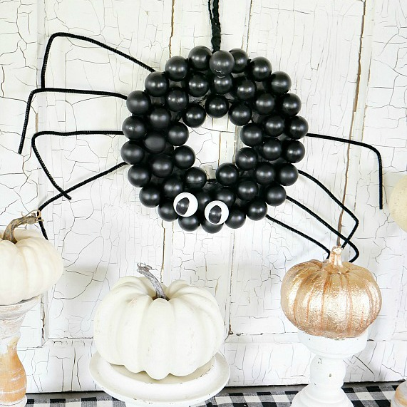 15 Elegant and Fun Halloween Decor Ideas