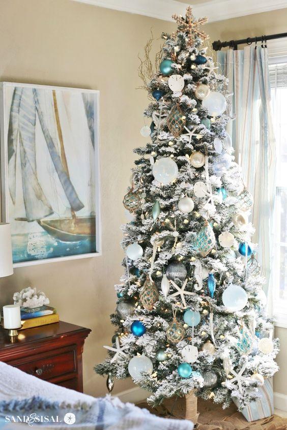 christmas-coastal-bedroom