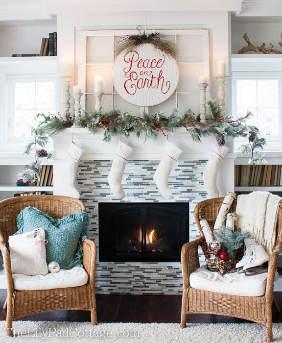 christmas-decor-fireplace-mantel-2